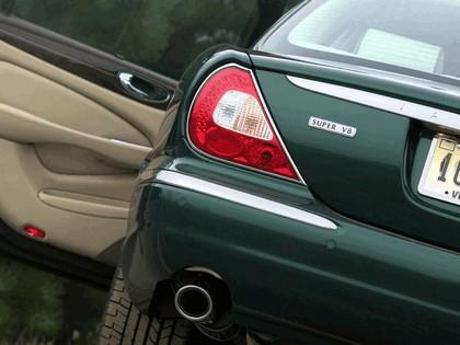 2005 Jaguar XJ Super V8 17