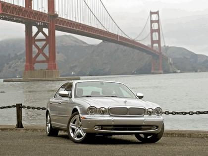 2005 Jaguar XJ Super V8 19