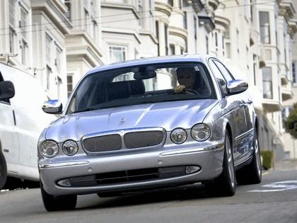 2005 Jaguar XJ Super V8 21