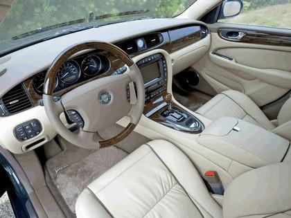 2005 Jaguar XJ Super V8 35