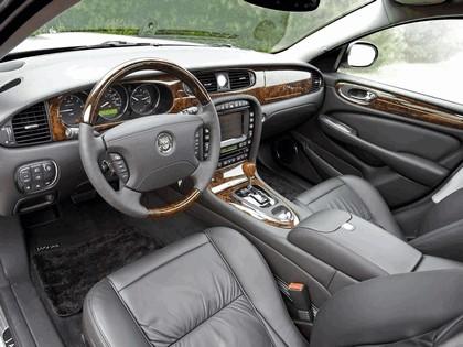 2005 Jaguar XJ Super V8 38