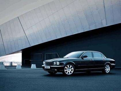 2005 Jaguar XJ8 L 3