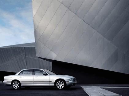 2005 Jaguar XJ8 L 17