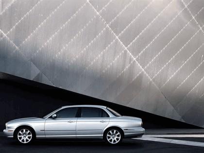 2005 Jaguar XJ8 L 18