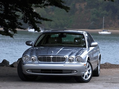 2005 Jaguar XJ8 L 31