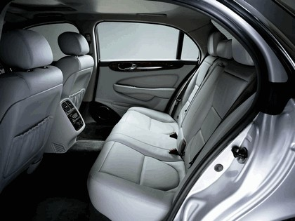 2005 Jaguar XJ8 L 43