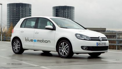 2010 Volkswagen Golf blue-e-motion 8