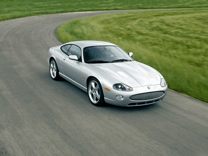 2005 Jaguar XKR coupé 6