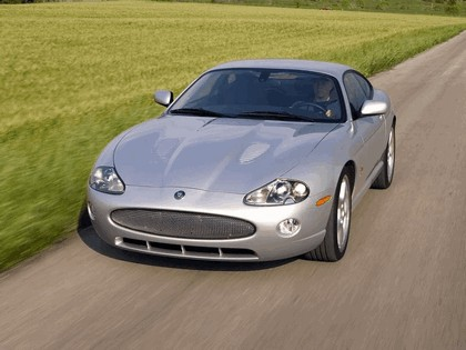 2005 Jaguar XKR coupé 7