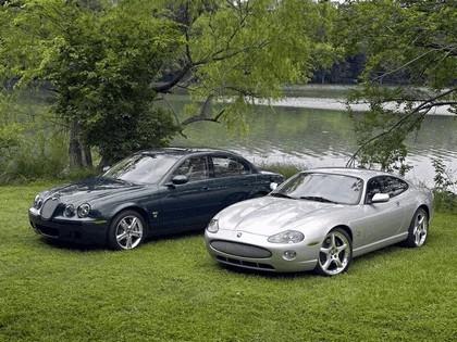 2005 Jaguar XKR coupé 10