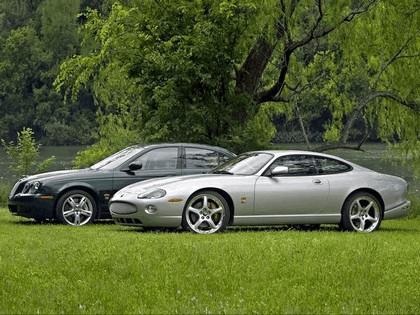 2005 Jaguar XKR coupé 11