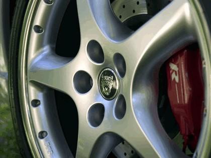 2005 Jaguar XKR coupé 17