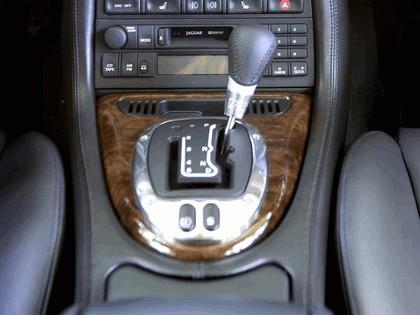 2005 Jaguar XKR coupé 22
