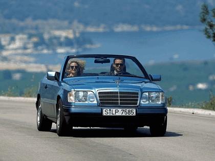 1993 Mercedes-Benz E220 ( A124 ) cabriolet 5