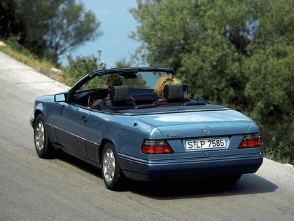 1993 Mercedes-Benz E220 ( A124 ) cabriolet 7