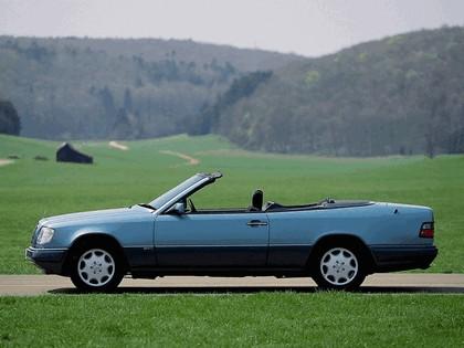 1993 Mercedes-Benz E220 ( A124 ) cabriolet 9