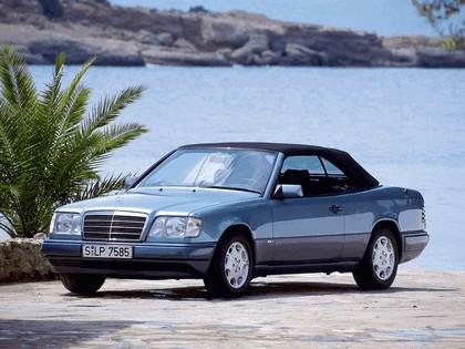 1993 Mercedes-Benz E220 ( A124 ) cabriolet 12
