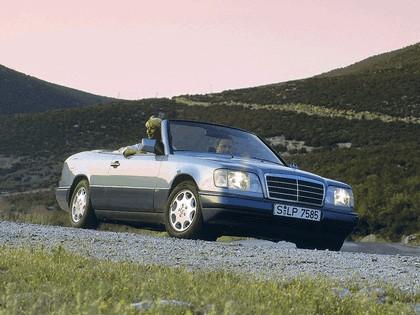 1993 Mercedes-Benz E220 ( A124 ) cabriolet 15
