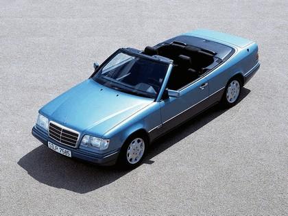1993 Mercedes-Benz E220 ( A124 ) cabriolet 16