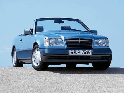 1993 Mercedes-Benz E220 ( A124 ) cabriolet 17