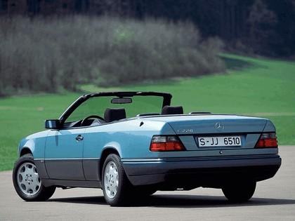1993 Mercedes-Benz E220 ( A124 ) cabriolet 20