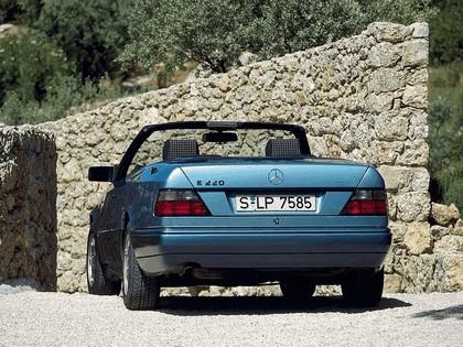 1993 Mercedes-Benz E220 ( A124 ) cabriolet 21