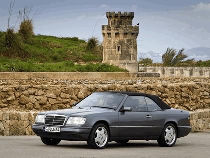 1993 Mercedes-Benz E220 ( A124 ) cabriolet 25