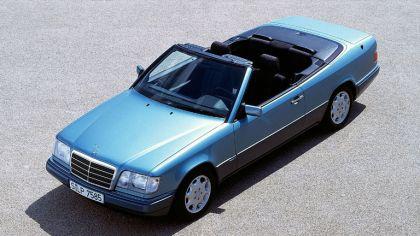 1993 Mercedes-Benz E220 ( A124 ) cabriolet 6