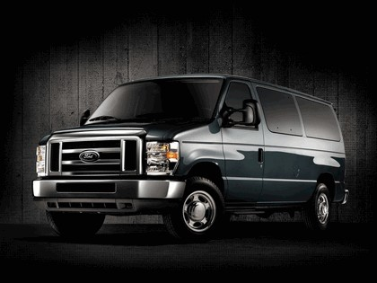 2010 Ford E-350 XLT 50th anniversary 1