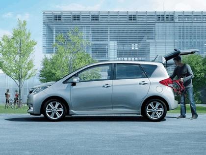 2010 Subaru Trezia i S 3