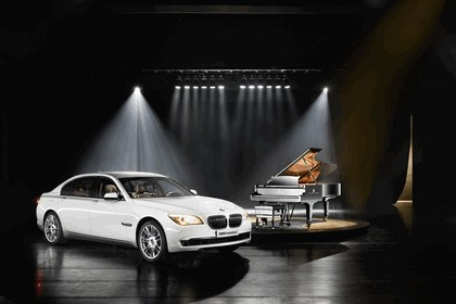 2010 BMW 7er Individual - Composition inspired by Steinway & Sons 1