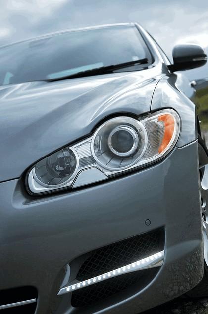 2011 Jaguar XF D S 4