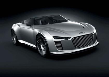 2010 Audi e-tron Spyder concept 1