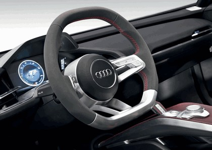 2010 Audi e-tron Spyder concept 17