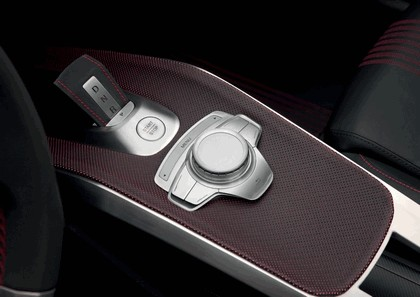 2010 Audi e-tron Spyder concept 18