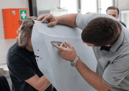 2010 Audi e-tron Spyder concept 28