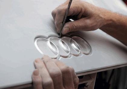 2010 Audi e-tron Spyder concept 29