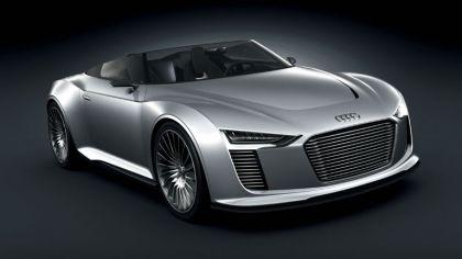 2010 Audi e-tron Spyder concept 8