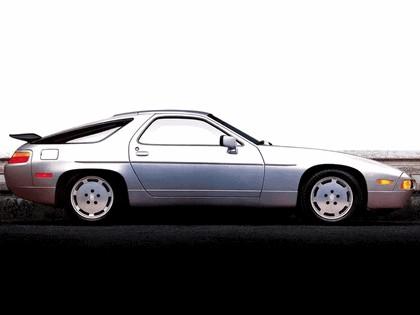 1987 Porsche 928 S4 15