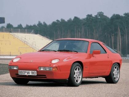 1988 Porsche 928 S4 Clubsport 1