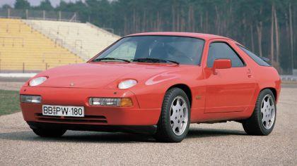 1988 Porsche 928 S4 Clubsport 5