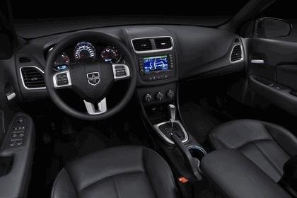 2011 Dodge Avenger 11