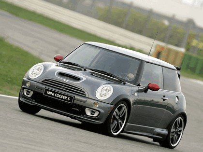 2005 Mini Cooper S with John Cooper Works GP Tuning Kit 9