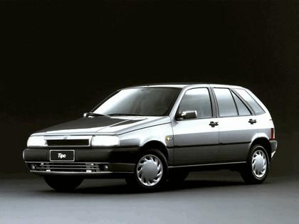 1993 Fiat Tipo 5-door 1