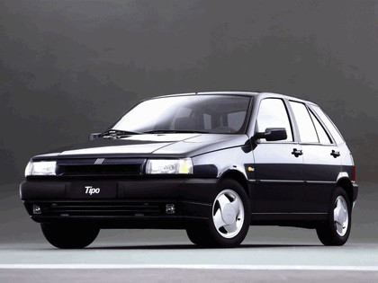 1993 Fiat Tipo 5-door 2