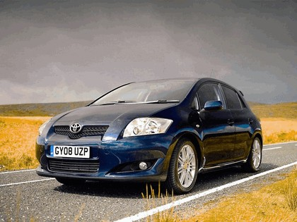 2008 Toyota Auris SR 5-door - UK version 1