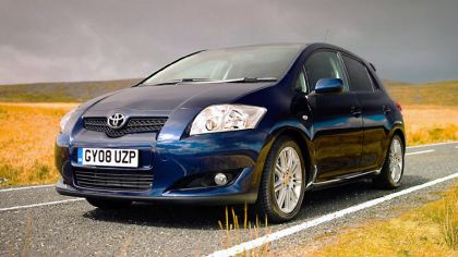 2008 Toyota Auris SR 5-door - UK version 3