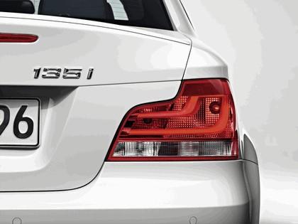 2011 BMW 1er coupé 12