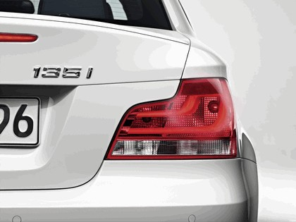 2011 BMW 1er coupé 13