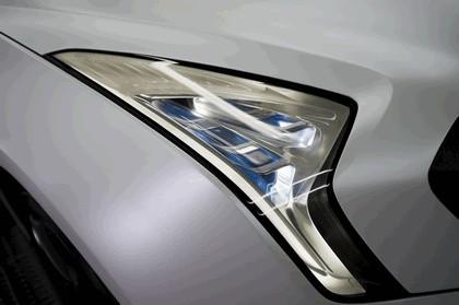 2011 Hyundai HCD12 Curb 4